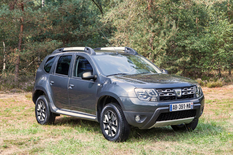 dacia duster el 4x4 low cost se renueva. Black Bedroom Furniture Sets. Home Design Ideas