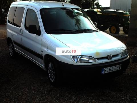 PEUGEOT PARTNER 2.0 HDI 90 CV doble puerta lateral.