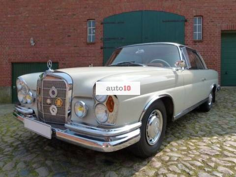 Mercedes-Benz 220 SE Coupe W111