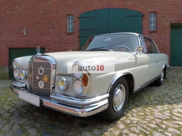 Mercedes-Benz 220 SE Coupe W111