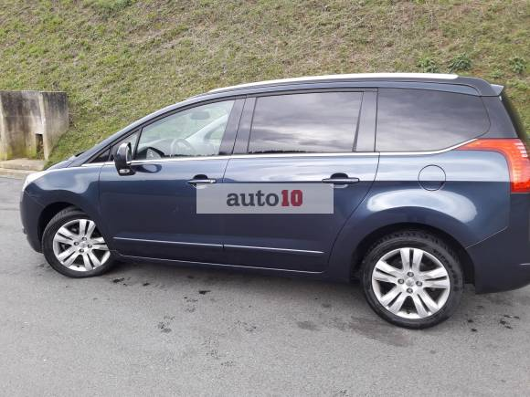 Peugeot 5008 1.6 E-HDI 115 CV ALLURE