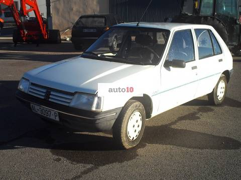 PEUGEOT 205 1.1 JUNIOR (TOTALMENTE ORIGINAL)