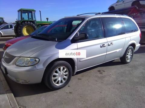 CHRYSLER GRAND VOYAGER 2.5 CRD LX 140 CV con 7 plazas.