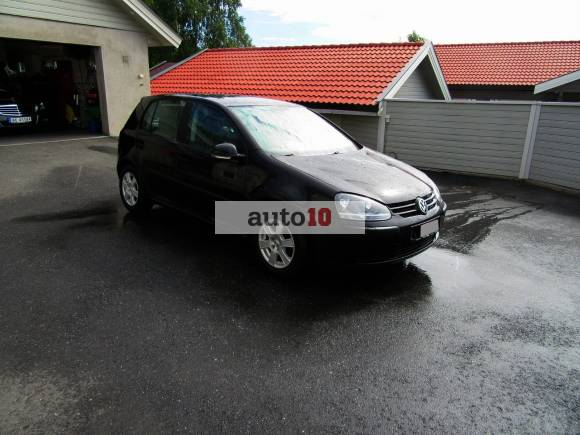 Volkswagen Golf 2005, 124000 km