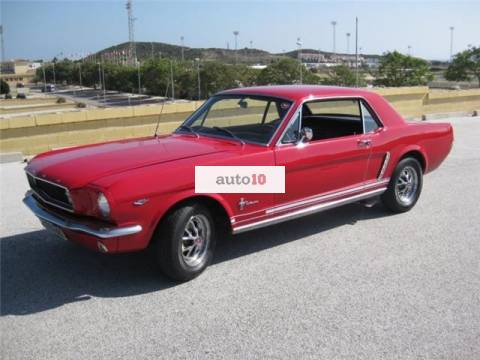 Ford Mustang Coupe V8