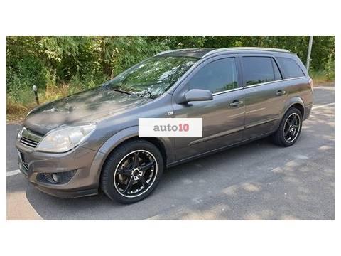 Opel astra  whatsapp:+39 371 363 8187