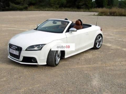 Audi TTS Roadster 2.0 TFSI quattro S-Tronic