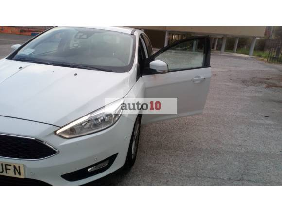 ford focus 1.6 115 H:P Blanco 2015