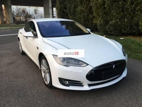 Tesla Model S 85kWh D Autopilot
