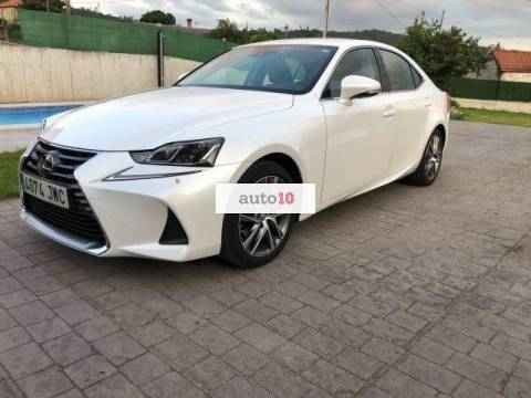 Lexus IS 300h Executive Navibox