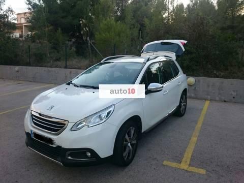 Peugeot 2008 Allure 1,6 Blue 120CV S/S Navegador 2015