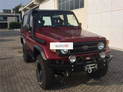 Toyota Land Cruiser HZJ 73