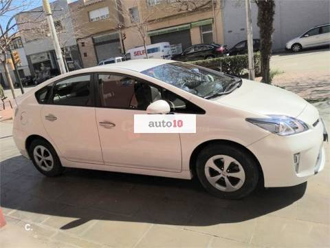 Toyota Prius Advance plugin 2013