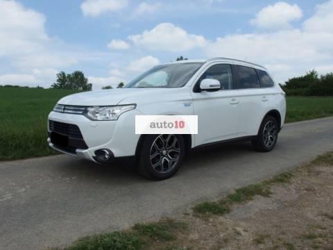 Mitsubishi Outlander 2.0 4WD Plug-In Hybrid Top