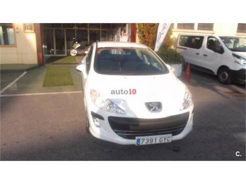 PEUGEOT 308 Confort 1.6 HDI 110 FAP 5 velocidades