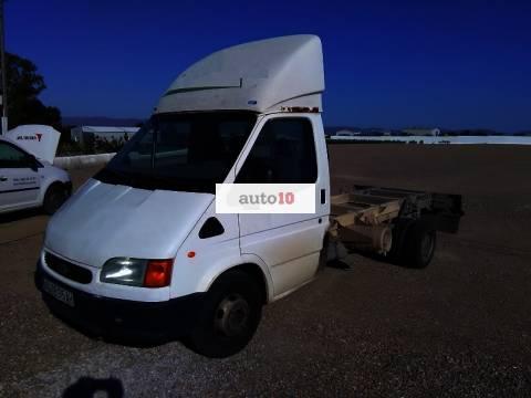 FORD TRANSIT 2.5 TD 100 CV en chasis cabina.