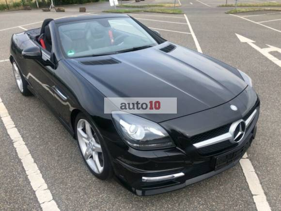 Mercedes-Benz SLK 200 (BlueEFFICIENCY) 7G-TRONIC AMG TOP