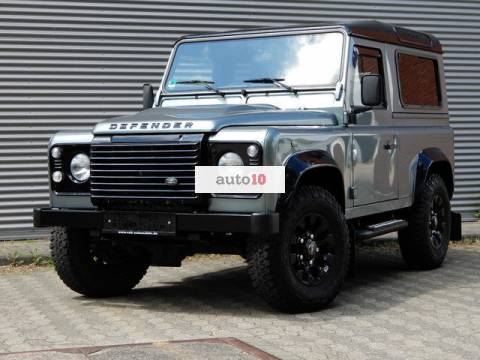 Land Rover Defender 90 SE Black Design