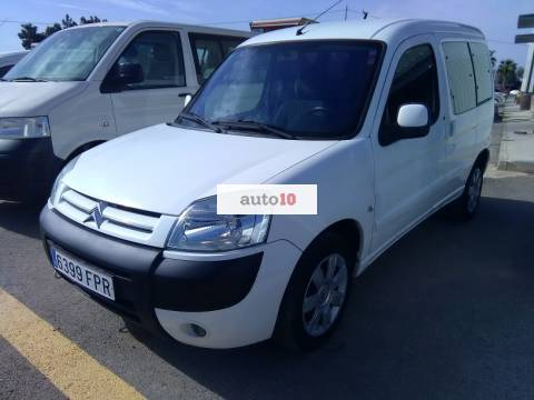 CITROEN BERLINGO 1.6 HDI 90 CV con doble puerta lateral.
