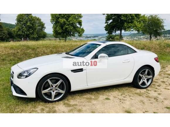 Mercedes-Benz SLC 200 9G Tronic AMG Line