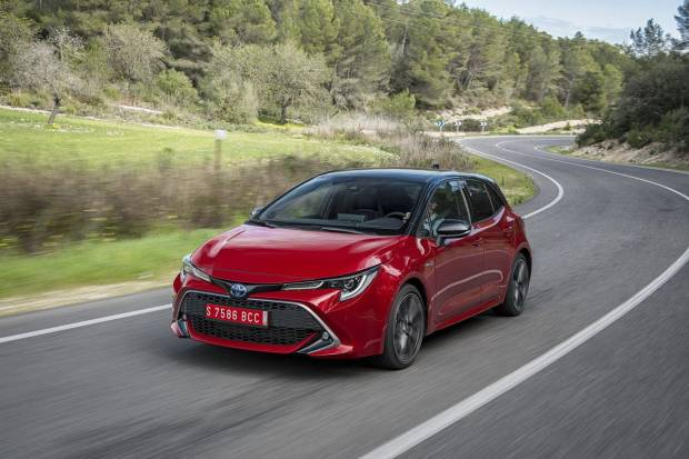 Toyota Corolla 180H Advance (180)