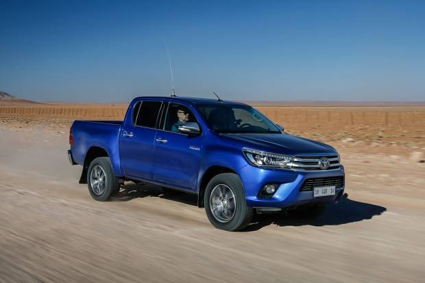 Toyota Hilux 2.4 150D Doble cabina VX 4x4 A/T (150)