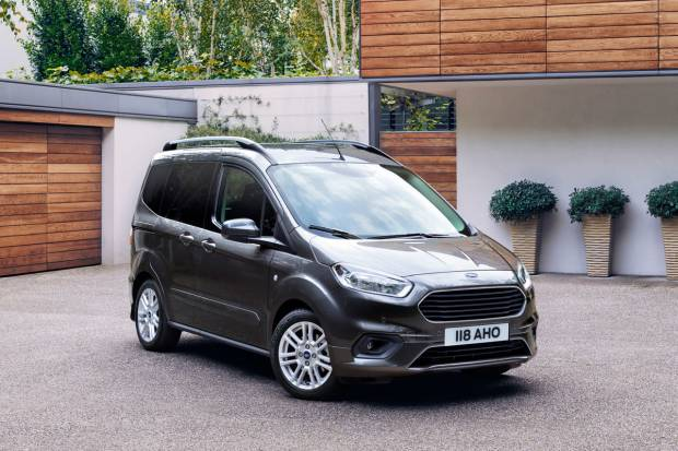 Ford Tourneo Courier 1.0 EcoBoost Ambiente (100)