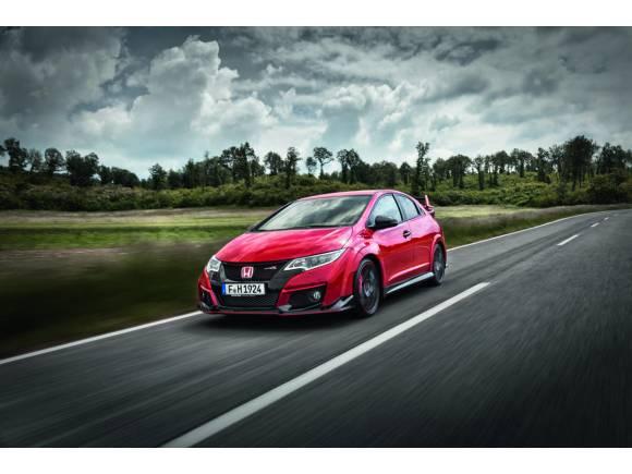 Probamos el nuevo Honda Civic Type R en el circuito de Slovakia Ring