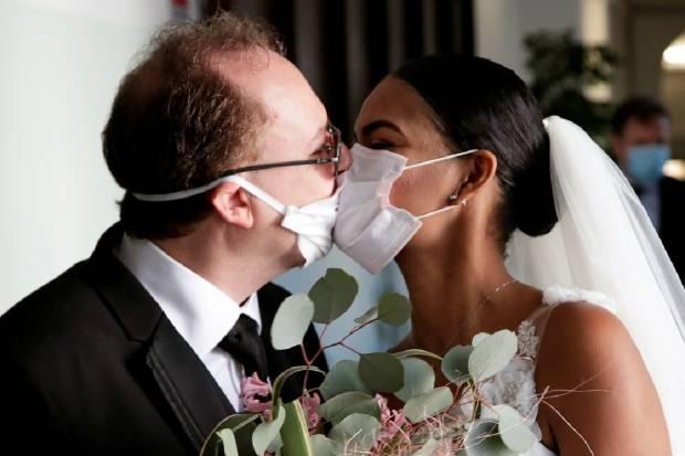 Fases de la desescalada: ¿podré ir en coche a una boda?
