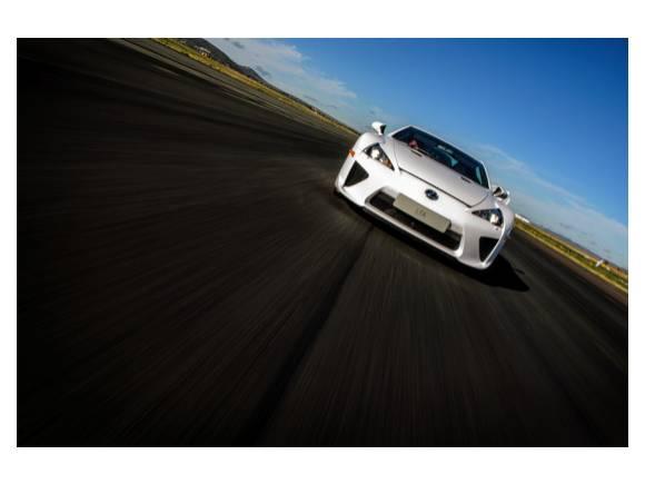 Prueba de velocidad con el Lexus LFA