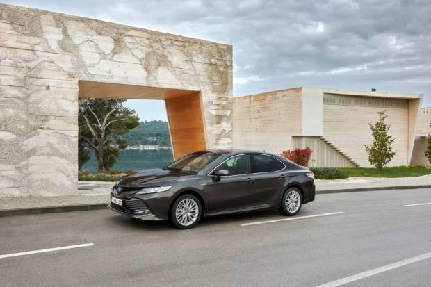 Probamos el nuevo Toyota Camry: Precios, datos y opinión