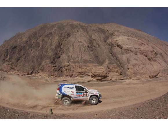 El Dakar más español, victoria en coches y motos