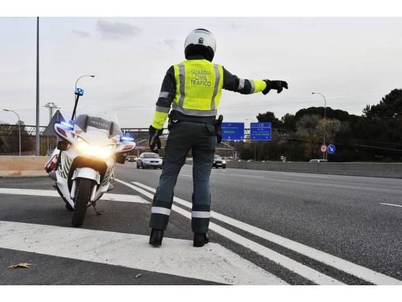 Me paró la policía y pedido mis datos ¿me han multado?