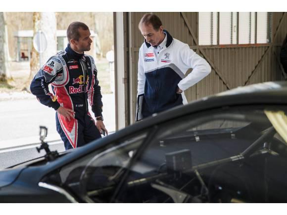 """Sébastien Loeb: """"El Peugeot 208 T16 Pikes Peak es un auténtico cohete"""""""