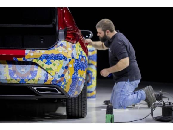 Primeras imágenes del nuevo SEAT León con camuflaje modernista