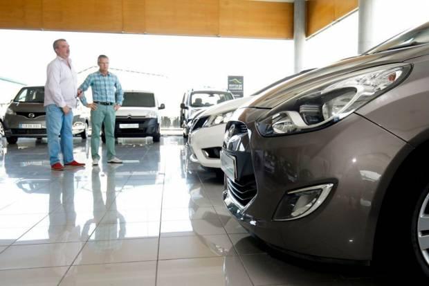 Ayudas del Gobierno para coches gasolina y diésel: hasta 1.600 euros