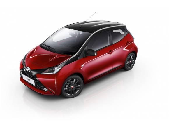 Nueva edición Toyota Aygo x-cite en rojo y negro