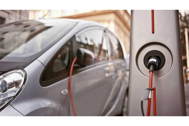 Mantenimiento de la batería en los coches híbridos y eléctricos