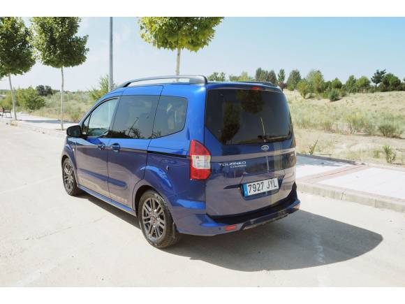 Prueba Ford Tourneo Courier, una alternativa a los monovolumen