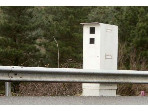 """Radares en cascada: el nuevo """"sacacuartos"""" de la DGT"""
