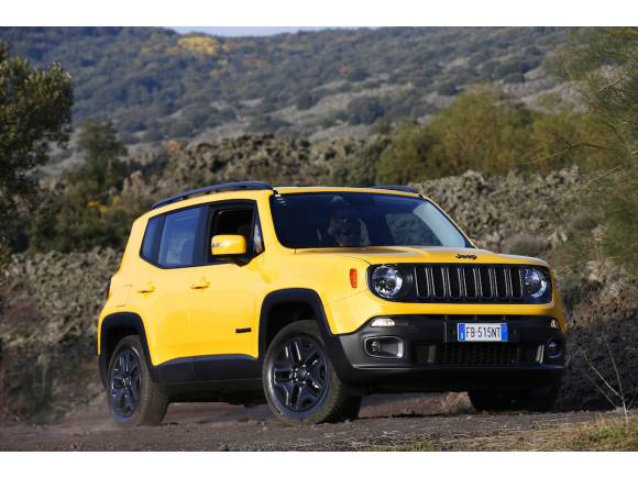 Jeep Renegade Night Eagle, personalizado y oscuro