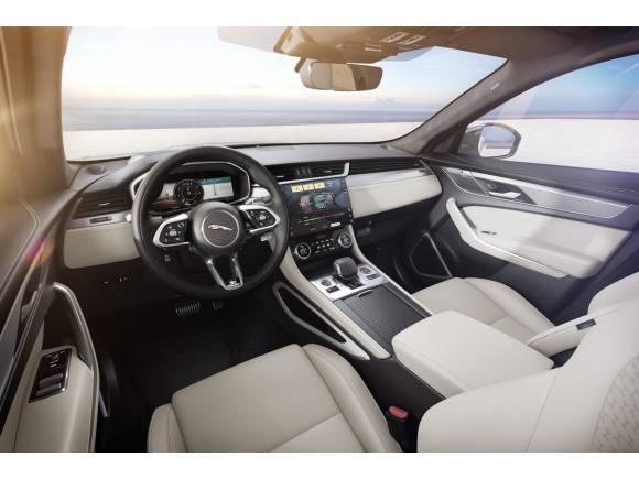 Jaguar F-PACE: estrena acabado R-Dynamic Black y mejora su equipamiento