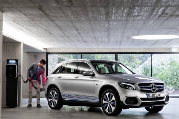 Mercedes y su hasta luego a los turismos de hidrógeno