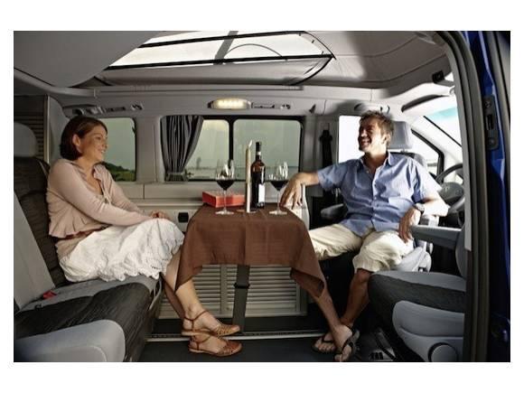Nuevo monovolumen Mercedes Viano, nuevas imágenes y precios