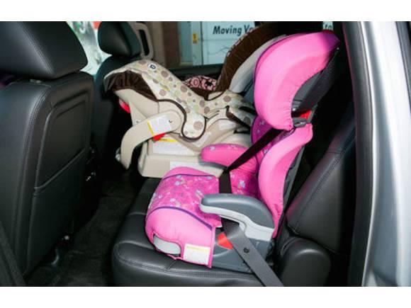 Los SUV y todocamino para montar tres sillas infantiles