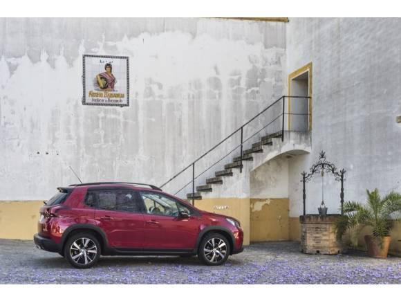 Prueba del nuevo Peugeot 2008: igual de práctico pero más SUV