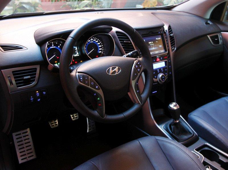 Hyundai-i30-cw_02