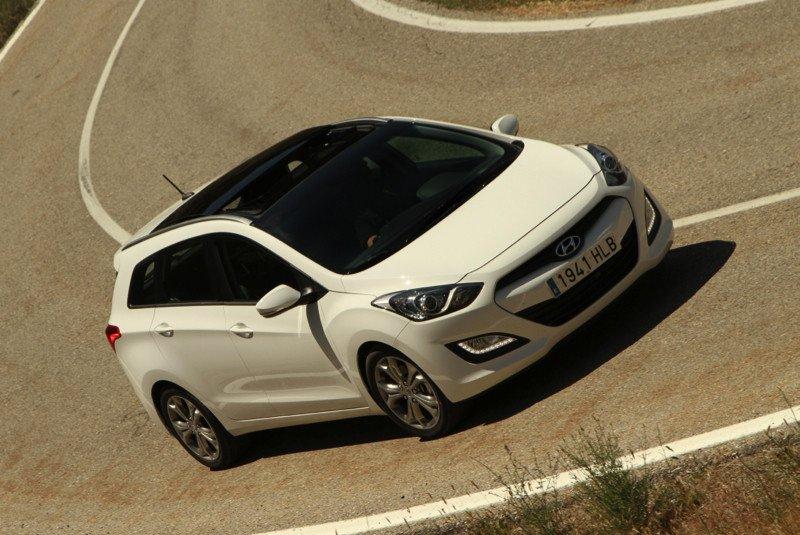 Hyundai-i30-cw_26