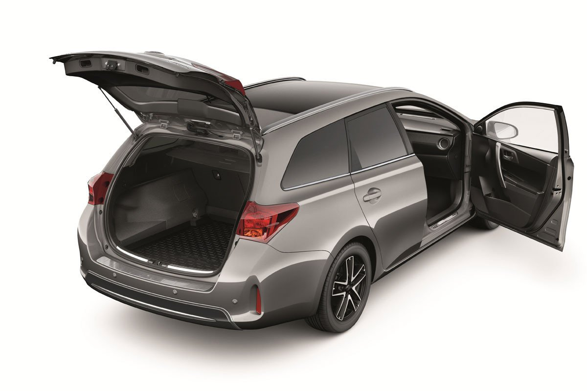 nuevos accesorios para el toyota auris touring sports. Black Bedroom Furniture Sets. Home Design Ideas