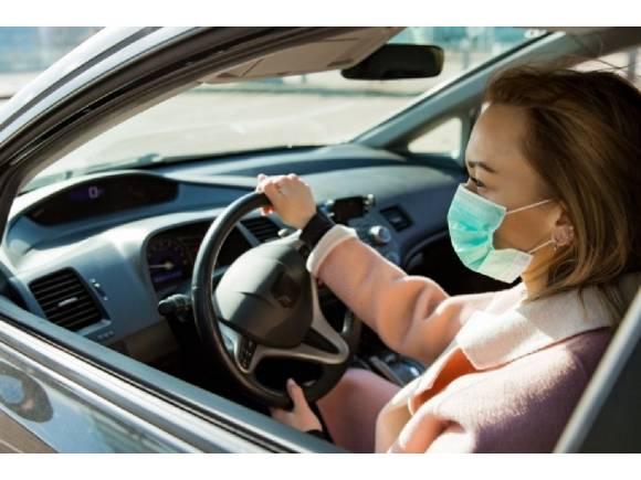 Restricciones de movilidad en el coche frente a rebrotes de coronavirus por comunidades
